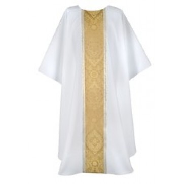 White Chasuble with Gold Trenton and White/Gold Galloon