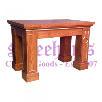 Altar with Rectangular Trim On Legs