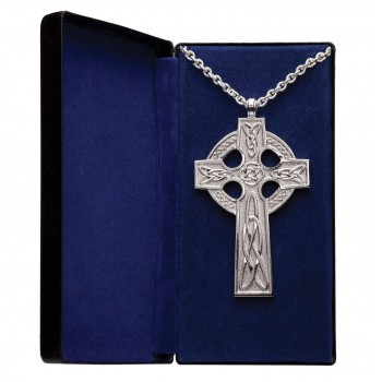 Traditional Celtic design Cross and Chain
